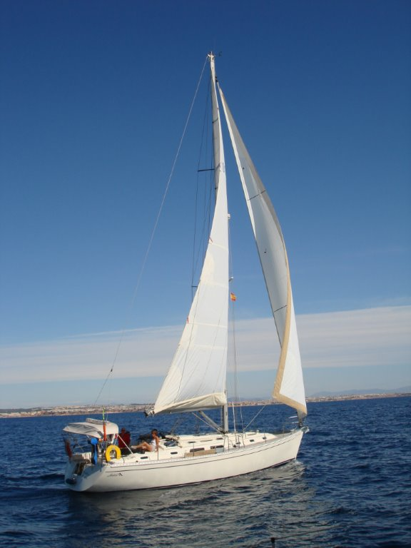 Baltic Moon is a Hanse 411 based in Tomas Maestre La Manga